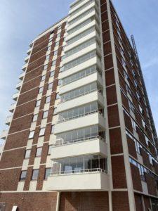 Bilde av ny fasade og balkonger